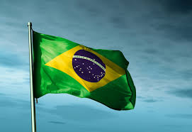 Após forte crise, reação econômica começa a dar sinais no Brasil